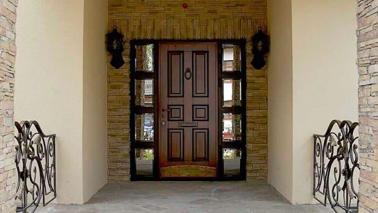 Как выбрать входную дверь для загородного дома